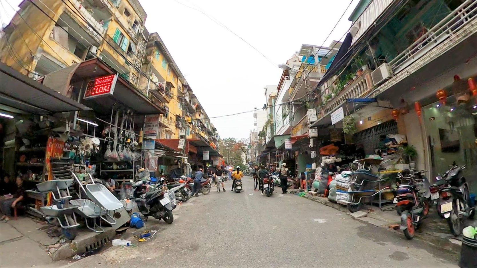 Những khu phố chợ Sắt ở Hải Phòng năm 2020 5