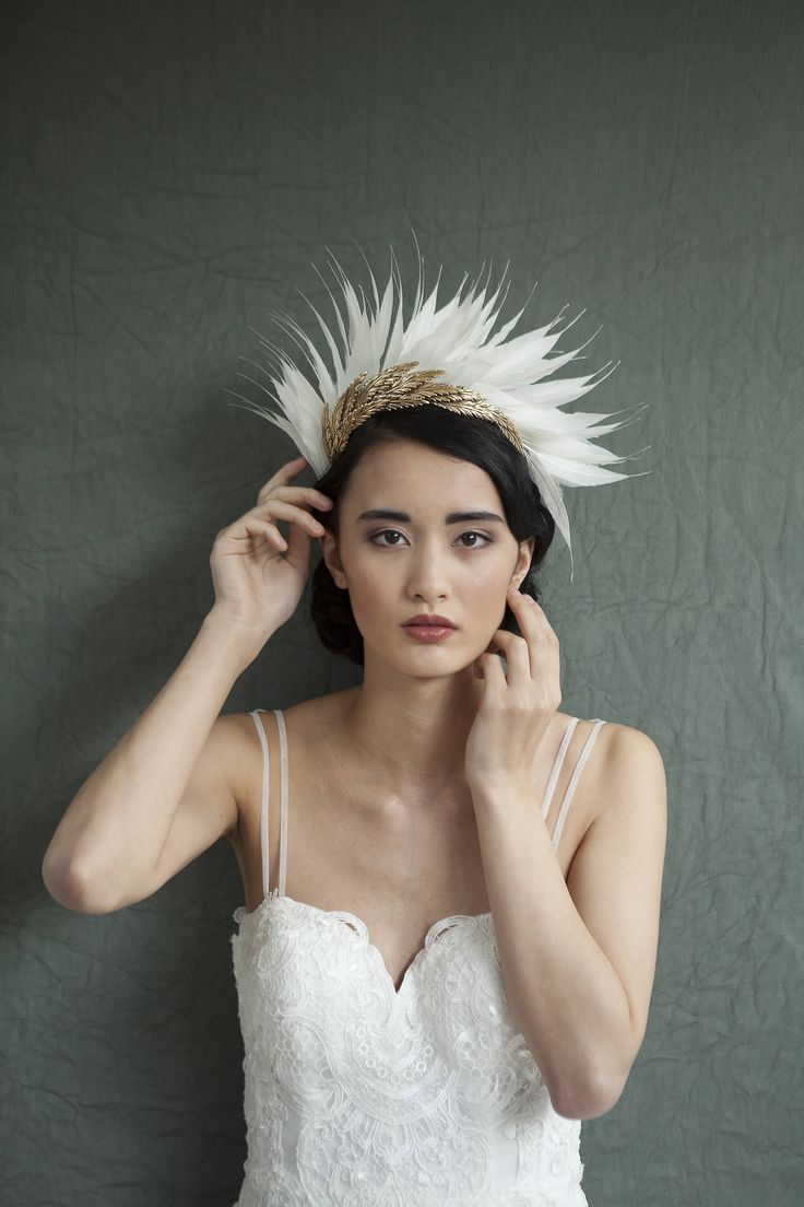 Awaywedding beautiful flower crowns to consider for your wedding feather touch can give a fairy finish off to your flower crown with a personal detail which defines real you you can either add a feather to your flower izmirmasajfo