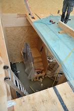 Photo: 07-11-2012 ©ervanofoto Het trapgat. Het onderste deel van de trap is reeds geplaatst.
