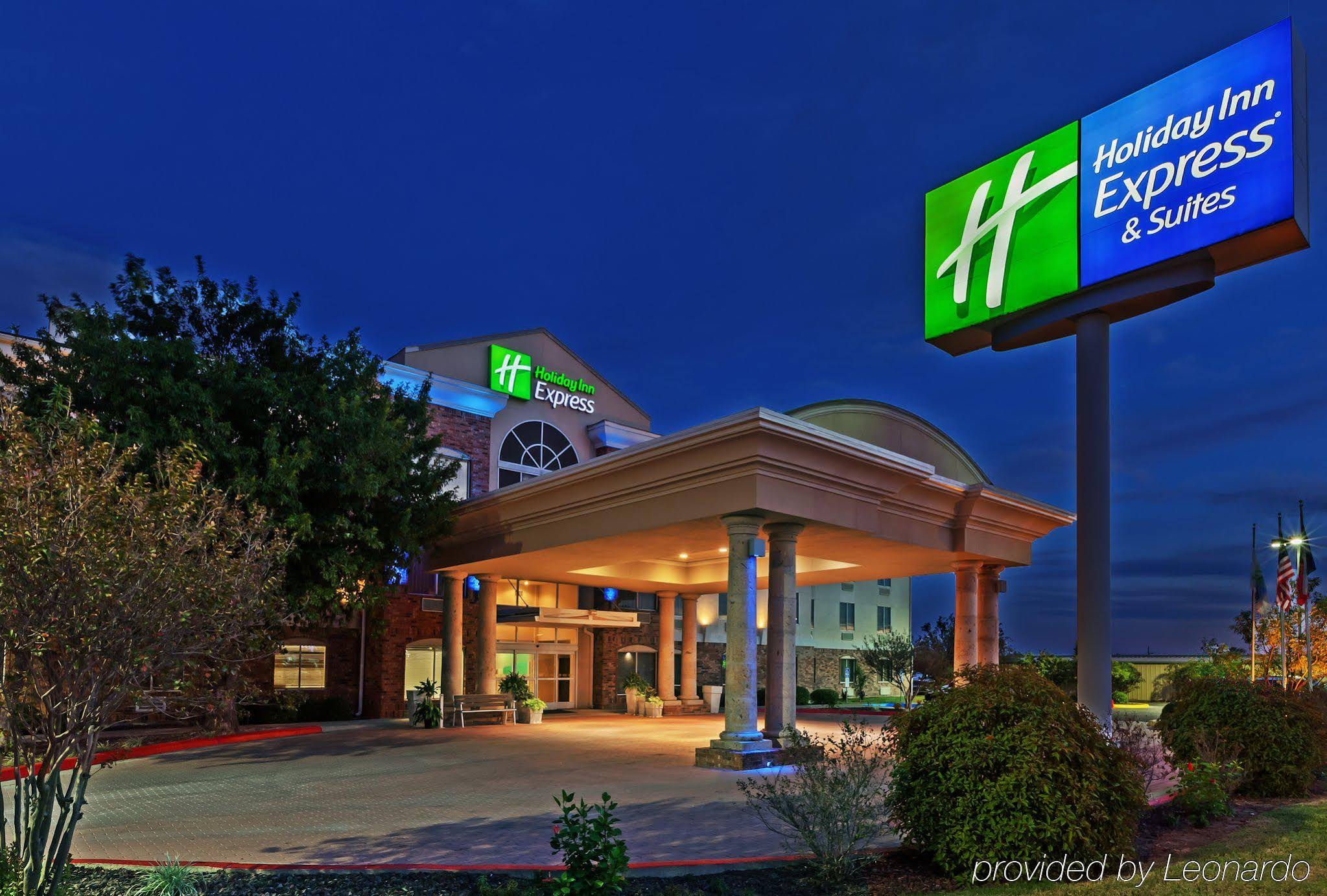Holiday Inn Express And Suite Eagle Pass
