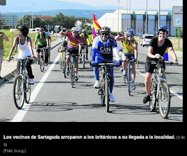 Photo: El Clarion 1895 llega al Parque de la Memoria arropado por una veintena de ciclistas de Nafarroa.Foto Diario de Noticias. http://www.noticiasdenavarra.com/2013/10/21/vecinos/ribera-alta/la-reparacion-de-la-memoria-cruza-fronteras