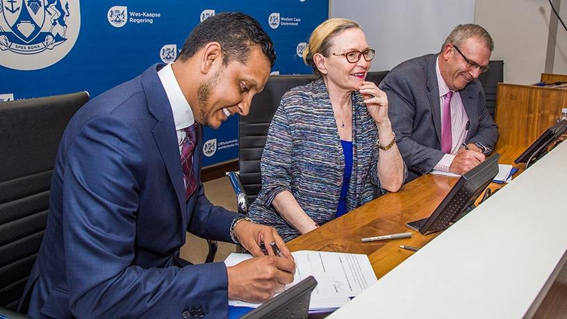 Left to right: Liquid Telecom SA CEO Reshaad Sha, premier Helen Zille and Western Cape Government director-general advocate Brent Gerber.