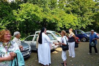 Photo: Begrüßung in Arenberg durch Sr. M. Ursula Hertewich