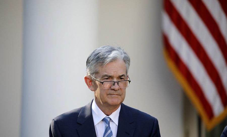 Die JSE begin Woensdag met gemengde begin, aangesien die monetêre beleid die belangrikste punt bereik