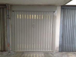 Photo: Porta basculante verniciata