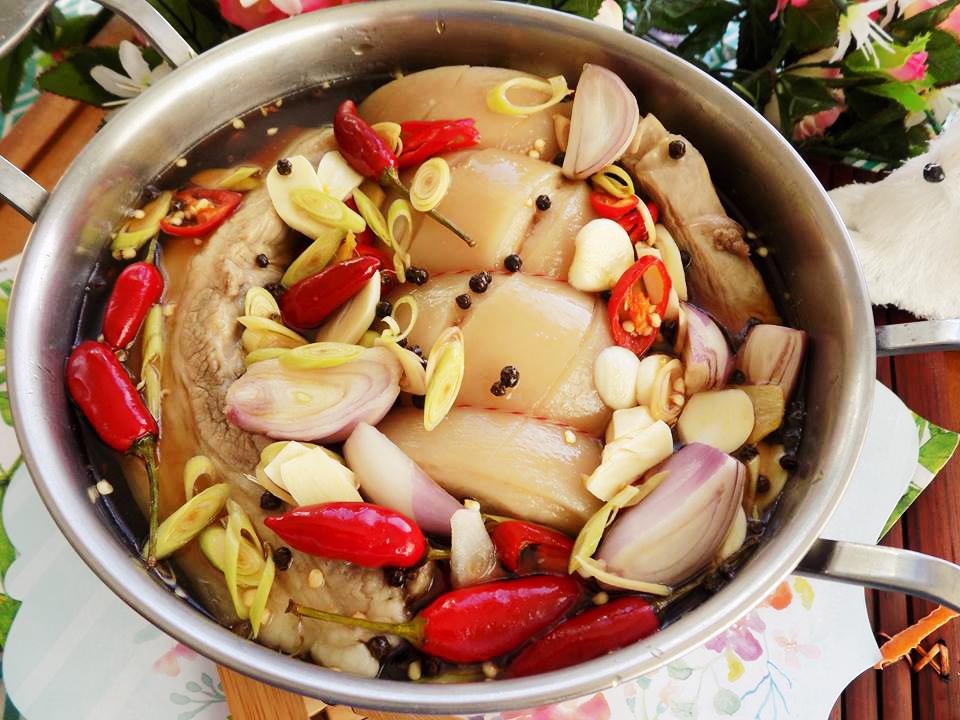 Học ngay cách làm thịt heo ngâm nước mắm chuẩn ngon đậm đà