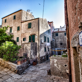 Isola del Giglio (Tuscany, Italy) by Gianluca Presto - Buildings & Architecture Homes ( giglio castello, historic, historic district, isola del giglio, old, tuscany, house, ancient, home, houses, homes, silence, nobody, italy, architecture )