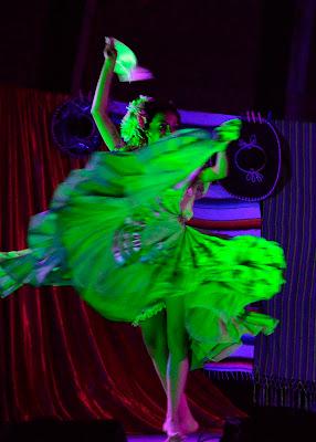 Dance in green di Cary