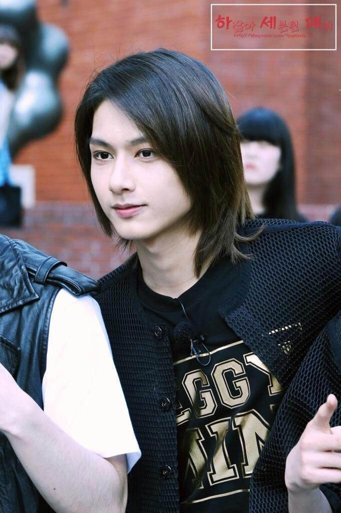 seventeen jun long hair 1