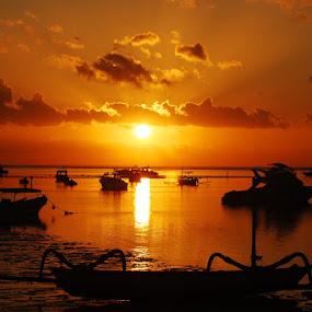 Sanur Sunrise by Enggus Fatriyadi - Landscapes Waterscapes ( landscape & nature, travel, fajar kristianto )