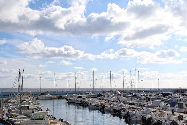 Nuvole sul porto di Marco Spinelli