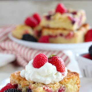 Easy One-Bowl Mixed Berry Cake