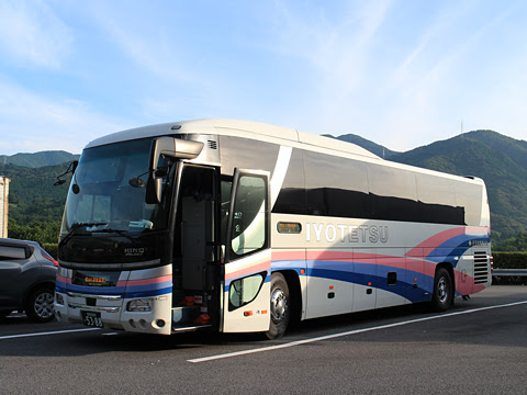 伊予鉄南予バス「道後エクスプレスふくおか号」 5388 桜三里PAにて その2