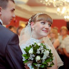 Wedding photographer Elena Sheresheva (fotookrug). Photo of 19.05.2013