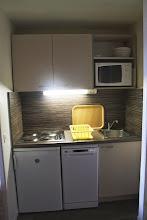 Photo: Cuisine aménagée d'un appartement de la résidence Castor & Pollux à Risoul - ALPES DU SUD