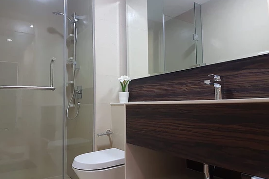 Bathroom at Commonwealth Ave Residences, Queenstown