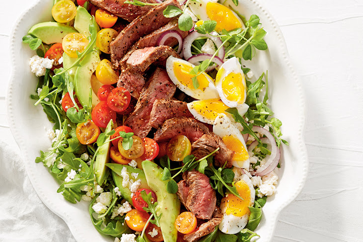 Steak & Egg Cobb Salad Recipe