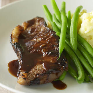 Classic Steak with Mashed Potatoes and Green Beans.