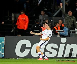Anderlecht s'est compliqué la tâche tout seul mais prend un bon point à dix à Ostende
