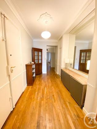 Location appartement meublé 3 pièces 75,62 m2