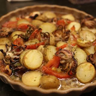 Pečena hobotnica s krumpirom (Roasted octopus w/ potatoes)