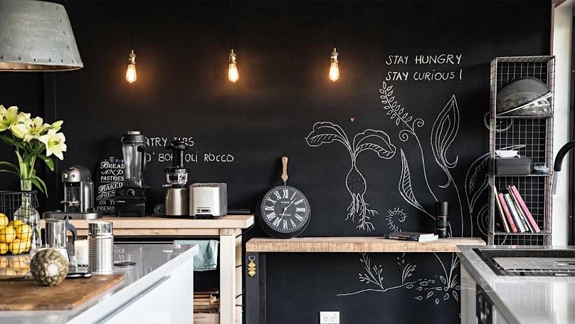 Farba tablicowa w loftowej kuchni