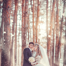 Wedding photographer Andrey Selyutin (ASPaparazzi). Photo of 16.01.2014