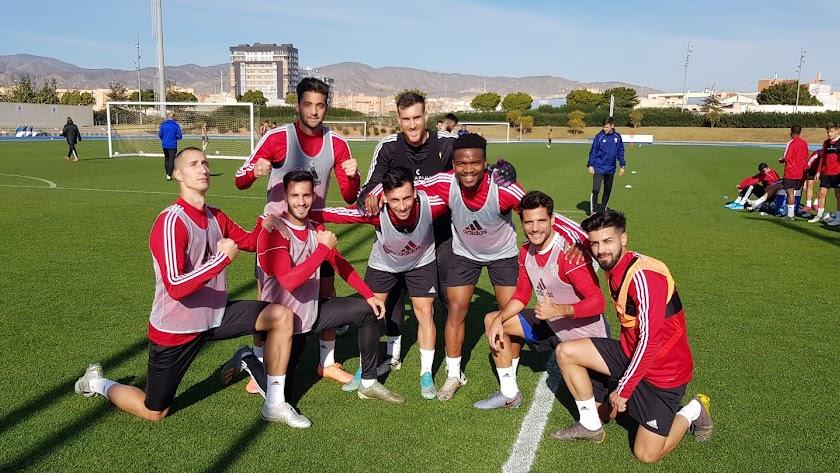 Petrovic, Martos, Lazo, Gaspar, Fernando, Kaptoum, Romera y Chema, campeones.