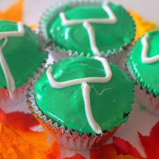 Football Goal Post Cupcakes.