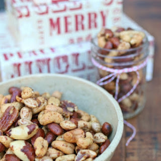 Quick, Easy, Holiday Mixed-Nut Snack