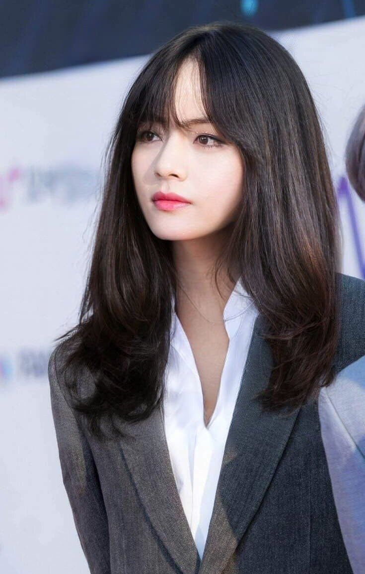 That Time BTS's V Went Undercover As A Female Staff Member - Koreaboo