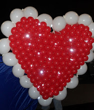 Photo: Heart Shapped Balloon Sculpture