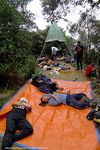 Photo: Many people at the peak of Gunung Nuang