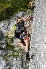 Photo: Lukáš překonává kolmý úsek na ferratě Hias