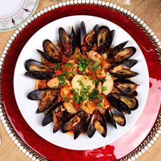Christmas Eve Seafood Pasta.