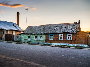 Photo: Old house - Mtcensk, Russia  This house is probably not that old (60-70 years old), but the quality wasn't there and it probably didn't see too many renovations either. Yet, people still live there. There is even a satellite dish now.