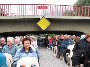 Photo: Brückenfahrt mit dem Schiff auf dem Landwehrkanal