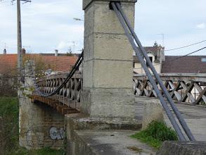 Photo: le pont en bois ou pont suspendu ( Esbly)
