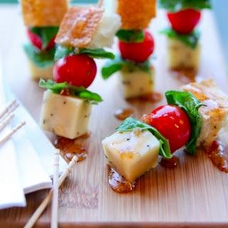 Panzanella Salad Appetizer Bites.