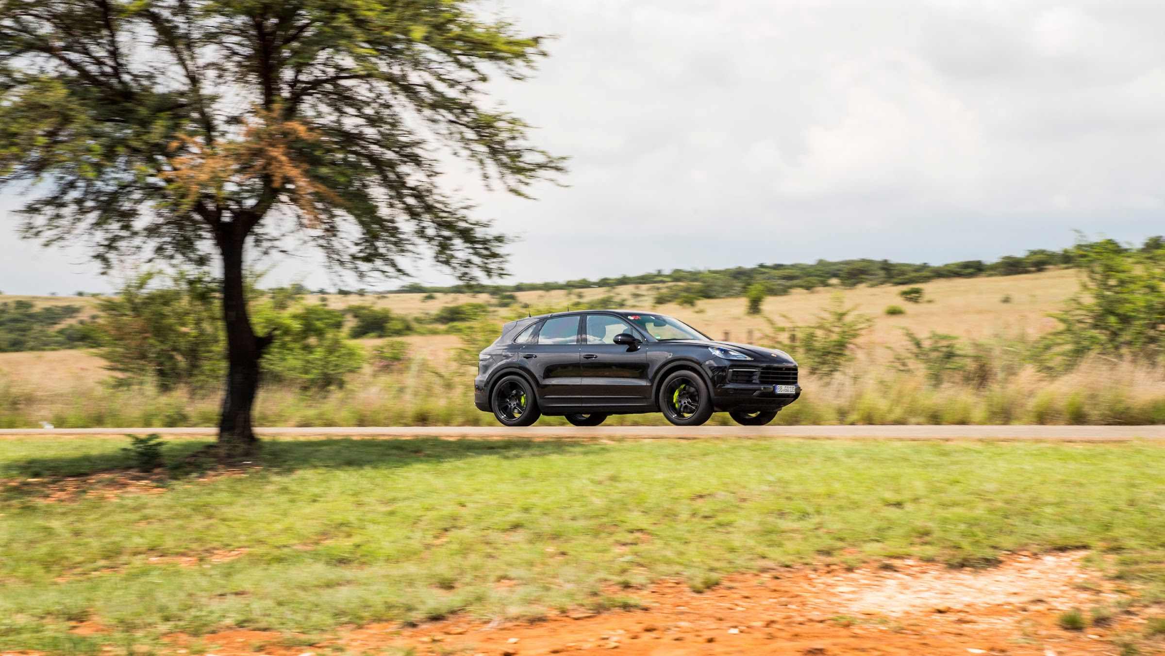 JoVrYdbbZYLOr9EGGQJ19PHQtUJTVSC wgocAdBfBnQ1UIbgf5wuXZZpldS6EJm9cfkvwN0dMiLa3Vk glKudx DLf3DE4l7mvtFR4Waec7fyXZGS 0ngsR0o22bHU7XOx1hlccK0g=w2400 - El Porsche Cayenne disponible en versión híbrida enchufable