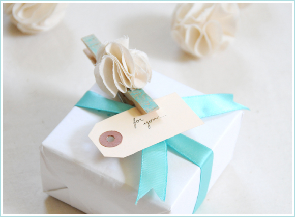Wedding Day Gift Exchange : Gift Exchange Ideas For The Bride and Groom To Be