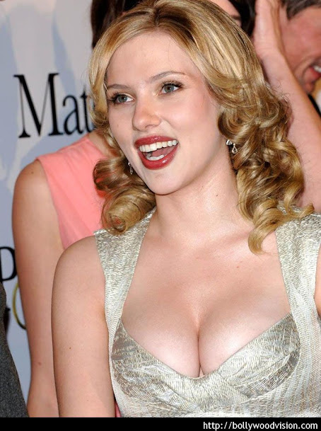 Scarlett Johansson hottest pics,