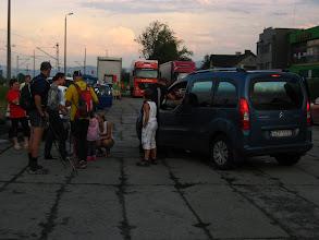 Photo: Bywają osoby, które przed wyruszeniem na marsz są odprowadzane przez kondukt pożegnalny.