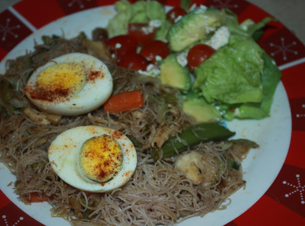 Pancit- Fried Rice Noodles With Veges And Chicken Recipe