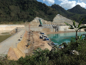 Photo: Einer der unzähligen von China gebauten Staudämme in Nordlaos