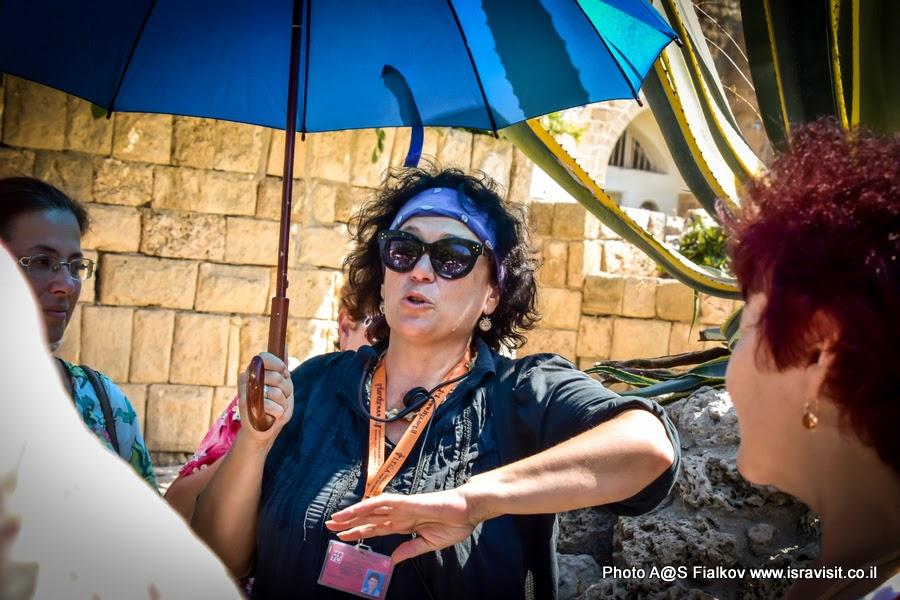 Гид в Яффо и по всему Израилю Светлана Фиалкова на экскурсии.