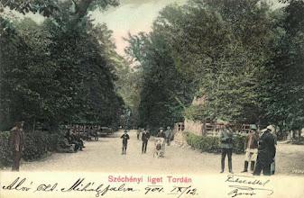 "Photo: Parcul ""Széchenyi-liget"" -  înaintea anului 1918. sursa: https://www.facebook.com/regikepeslapok/photos/a.1056000064415048.1073741873.996673943680994/1056000534415001/?type=3&theater si: https://imaginivechi.wordpress.com/2010/04/12/parcul-central/ si  Primaria Municipiului Turda - https://picasaweb.google.com/102985115859967760975/TurdaImaginiDeAltadataCalendarEditatDePrimariaMunicipiuluiTurda#6248954452664052258  Facebook, Fan Turda, R.C https://www.facebook.com/fanturda/photos/a.418600274855900.90257.416939068355354/1111024575613463/?type=3&theater  Suciu Petru https://www.facebook.com/photo.php?fbid=512761732130459&set=a.512761258797173.1073741934.100001899101978&type=3&theater"