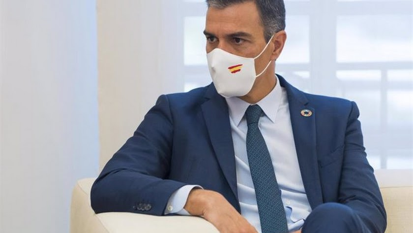 Pedro Sánchez, en una imagen de archivo, con mascarilla.
