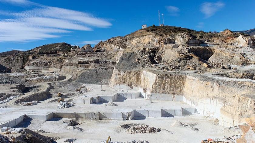 Macael, lugar conocido alrededor del mundo gracias al mármol que sale de sus canteras, el 'oro blanco' de la Sierra de los Filabres.