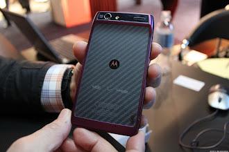 Photo: Motorola's Grape Droid Razar - Photo by Lynn La